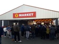 В Казанлък отвори нов супермаркет за Коледните празниците