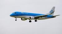 Нов самолет Embraer се приземи на Схипхол