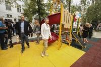 """""""Пирогов"""" е с нова детска площадка в двора на болницата в рамките на инициативата на Фондация """"Америка за България"""" """"Малките герои"""""""