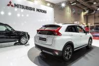 Mitsubishi извади нов кросоувър, Jeep показва втория Compass