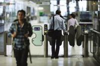 Visa отбеляза началото на безконтактните пътувания в градския транспорт на Лондон